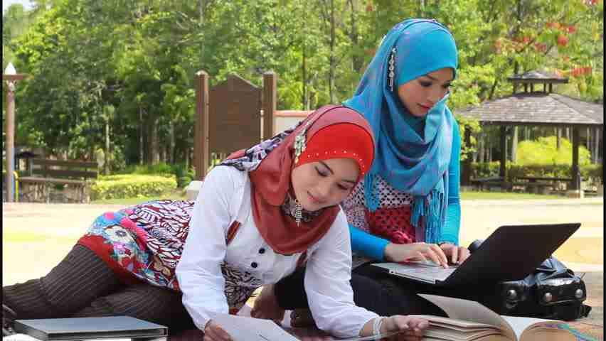 """Polemiche sulla Fiera del Libro Islamico, organizzatori: """"Nessuna discriminazione verso le donne: manca lo spazio"""""""