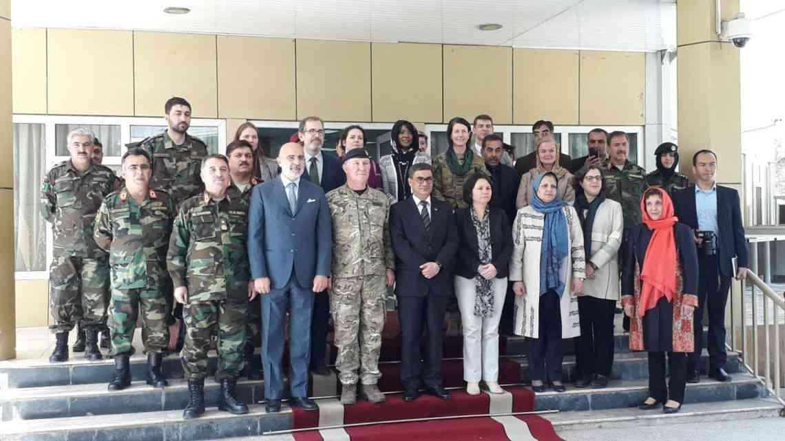 Kabul: nuova clinica per donne soldato e i loro bambini