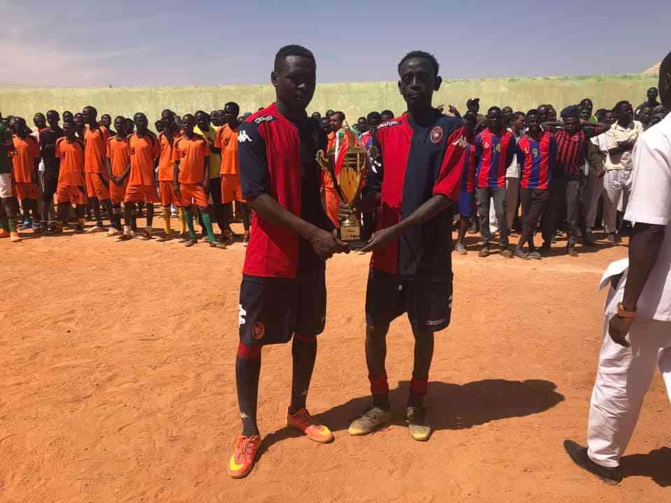 Sudan: i detenuti ad Al Hud in campo con le maglie del Cagliari