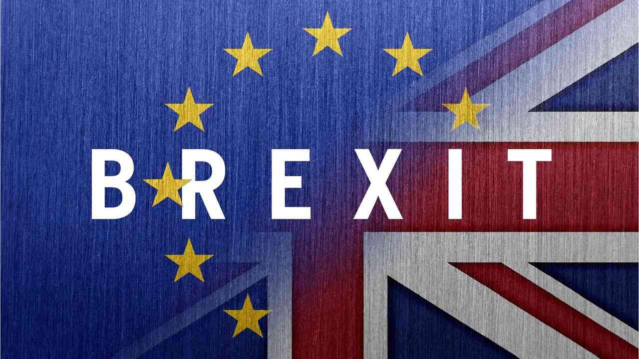 """Brexit, maggioranza risicata per l'esclusione del """"No deal"""""""
