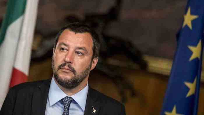 """Salvini: """"Sui migranti la prima battaglia in Europa"""""""