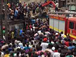 crolla scuola in Nigeria